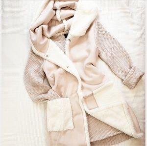 Jackets & Blazers - 🆕️//Winter Collectio// soft pink coat w hoodie